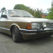 Ford Granada 2.8i Ghia Solgt
