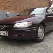 Opel Omega B SOLGT