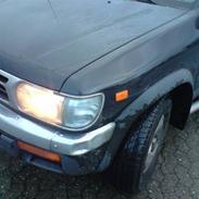 Nissan Pathfinder SE 3.3L SOLGT>