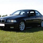 BMW 318 i Bavaria *Skadet*