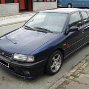 Nissan primera SRI (SOLGT)