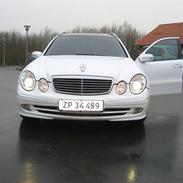 Mercedes Benz  E270 2,7 CDi  SOLGT