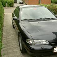 Ford mondeo 2,5 V6 totalskadet