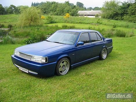 Mazda 929 billede 1