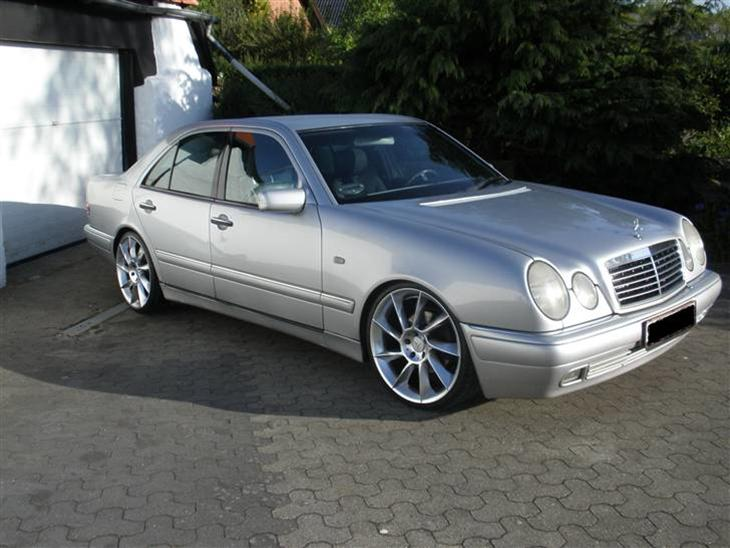 Mercedes benz w210 300 turbod totalskadet 1997 mer for Mercedes benz text