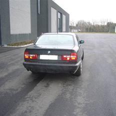 BMW 525i 24V solgt