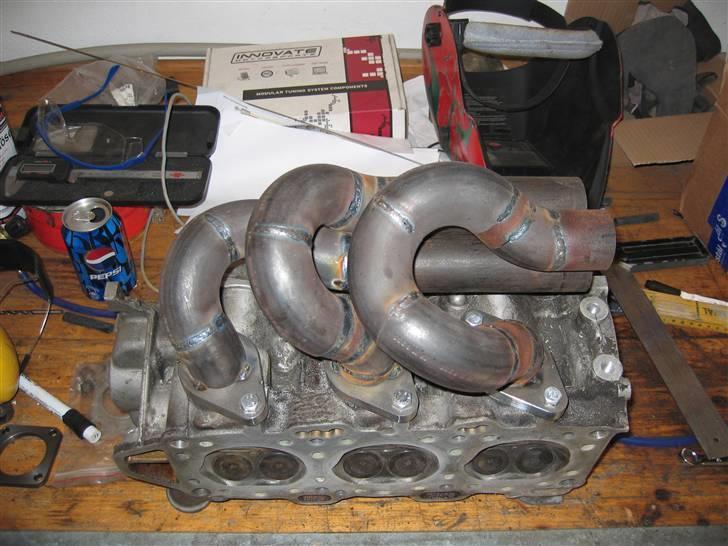 Mazda 929 - Turbomanifold til den ene side billede 5