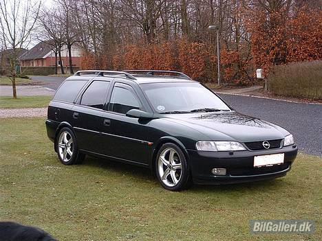 """Opel Vectra B Wagon **Solgt** - Så kom den lige ud som fotomodel med de nye 17"""" hjul på. billede 1"""