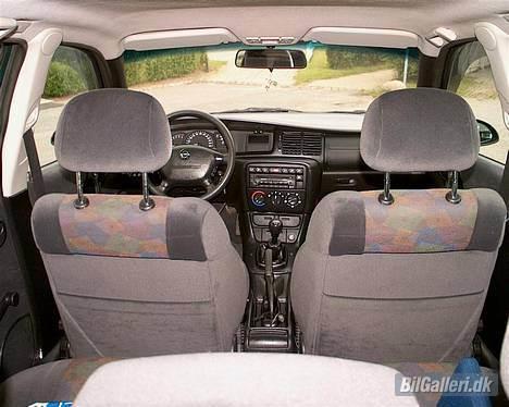 Opel Vectra B Wagon **Solgt** - Original kabine på en GL plus billede 5