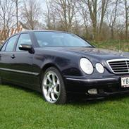 Mercedes Benz E320 cdi Avantgarde