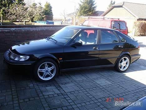 Saab 900 billede 1