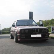 BMW E30 320i @ noget andet