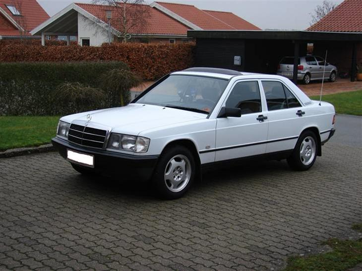 Mercedes benz 190d 1986 bilen har originalt soltag a for Mercedes benz text