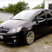 Opel Zafira B OPC