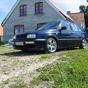 VW Golf 1.8 GL Aut. (SOLGT)