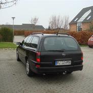 Opel Omega B Wagon Executive