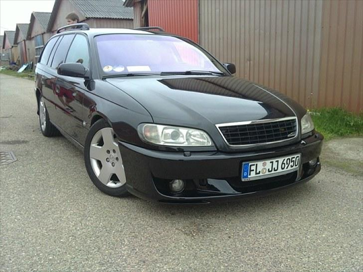 Opel Omega B Wagon Executive billede 1