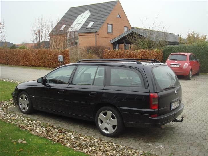 Opel Omega B Wagon Executive billede 10