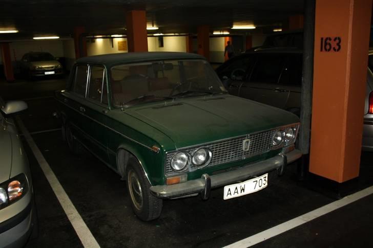 """Lada """"VAZ Zhiguli"""" 2103 1500S - Som den blev fundet efter 6 års stilstand i en p kælder i Göteborg billede 18"""