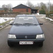 Peugeot XLD 1.9 D Total Skadet !!