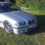 BMW e36 320i Coupé Solgt