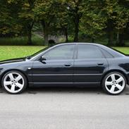 Audi A4 1.8T S-line *solgt*