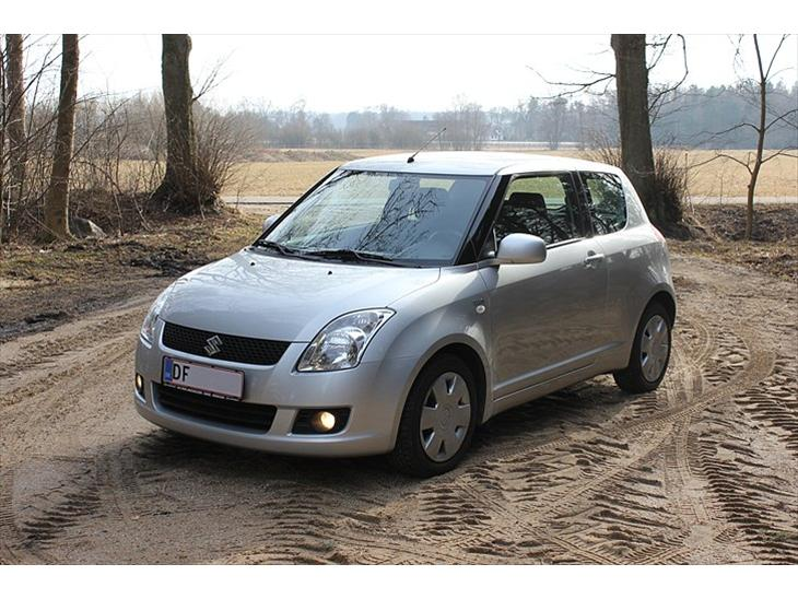 suzuki swift 1 3 ddis gl s 2008 kommer bilstereo og styling s. Black Bedroom Furniture Sets. Home Design Ideas