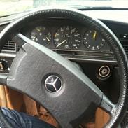 Mercedes Benz 190 D *SKROTTET*