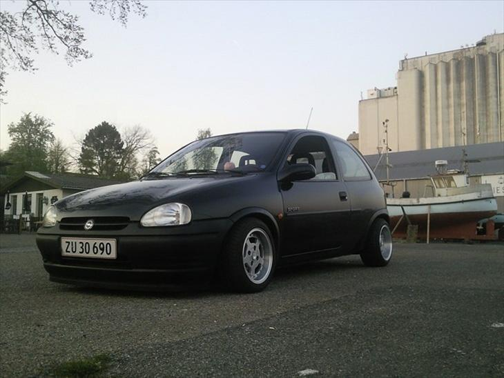 opel corsa b sport 1996 how low can you go c. Black Bedroom Furniture Sets. Home Design Ideas