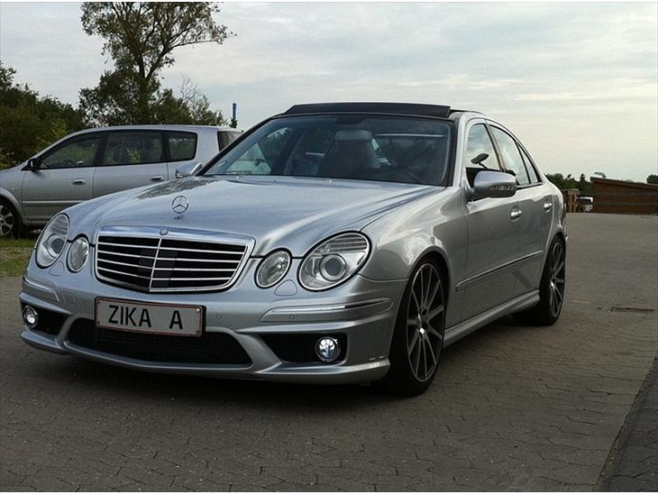 Mercedes benz w211 e320 cdi v6 2007 super fed vogn med for Mercedes benz text