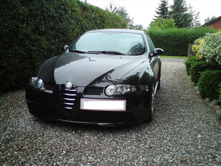 alfa romeo 147 gta solgt 2003 fed lille bil en ulv i f rek. Black Bedroom Furniture Sets. Home Design Ideas