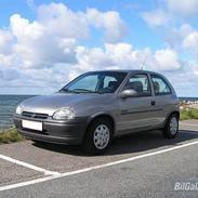 Opel Corsa 1,4 16v *SOLGT*