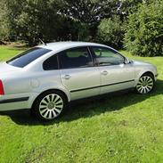 VW Passat 3B limo