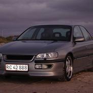 Opel Omega B MV6