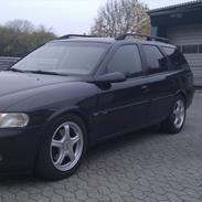 Opel vectra 2.0 16 st.car cdx. solgt