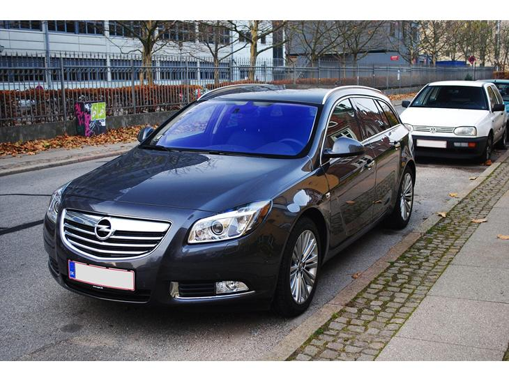 opel insignia st cosmo 2 0 cdti 160 aut 2012 fantastisk bil der k rer l k. Black Bedroom Furniture Sets. Home Design Ideas