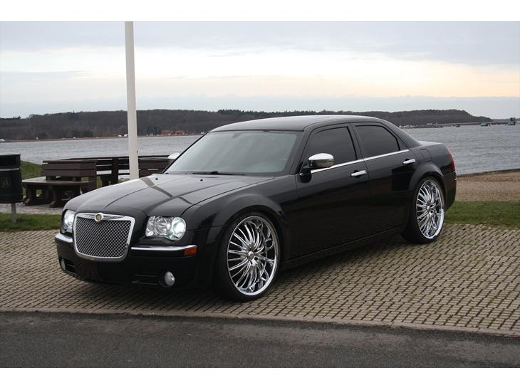 chrysler 300c 2006 jeg har k bt bilen i calgary. Black Bedroom Furniture Sets. Home Design Ideas