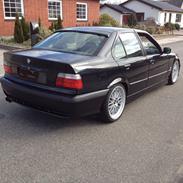 BMW E36 318i ( 320i motor )