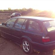 BMW 318I Touring E36 Totalskadet