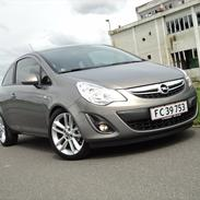 Opel Corsa D 1,4i 16V Cosmo Limited