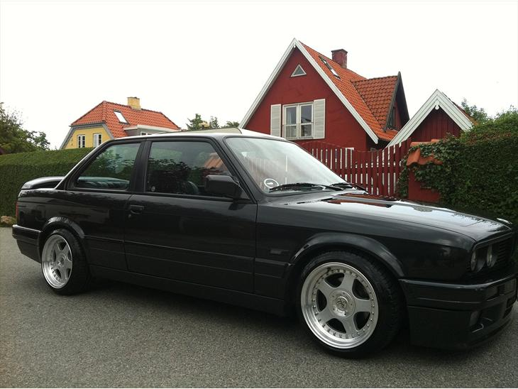 bmw e30 325i m technik 2 1991 hentet fra k ln ny. Black Bedroom Furniture Sets. Home Design Ideas