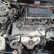 Nissan almera SR 1,6 twincam