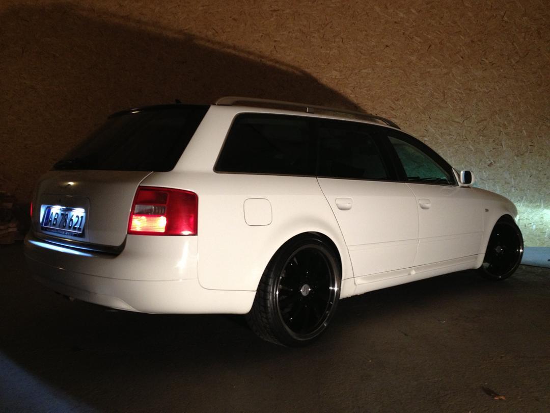 Vellidte Audi A6 2,4 V6 - 7 Personers - Solgt - 1999 - Kanon lækker og ME-81