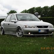 Opel vectra b 1,8 16v