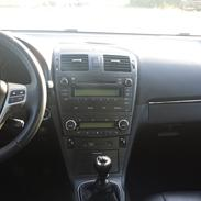 Toyota Avensis 2,2 D-4D 150 T3 4d