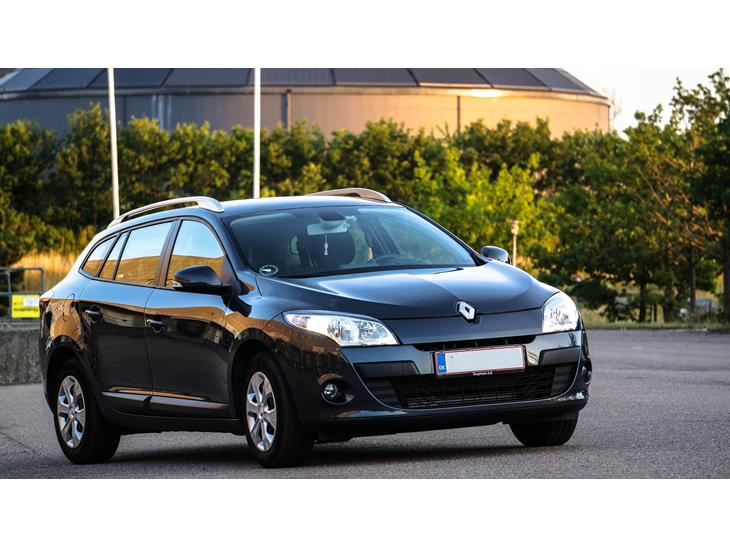 renault megane 1 4 tce sport tourer solgt 2011 indreg en komfortab. Black Bedroom Furniture Sets. Home Design Ideas