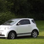 Toyota IQ - 1,4D-4D - T2  (Micro muscle car) - Miss-Emma.