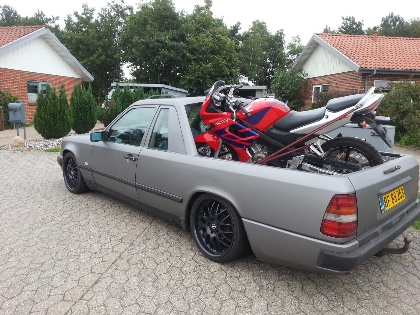 283980 Mercedes Benz W124 Pick Up