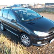Peugeot 206 1,6 S 16 SW     Totalskadet