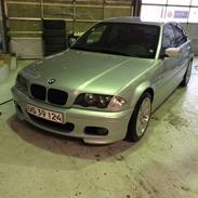 BMW E46 323i/330i med turbo